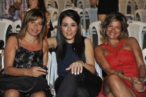 Elle Fersan and Women in Front